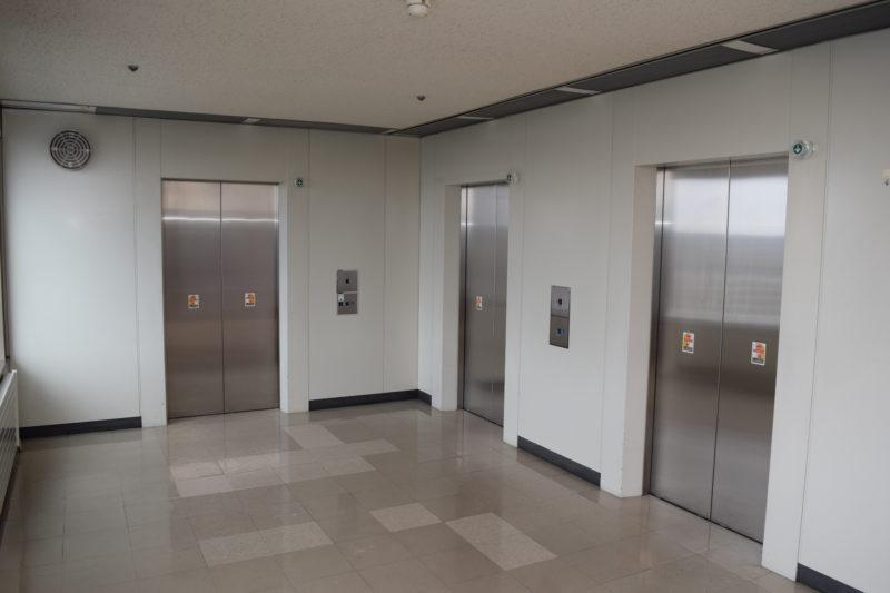 エレベーターは全部で3基