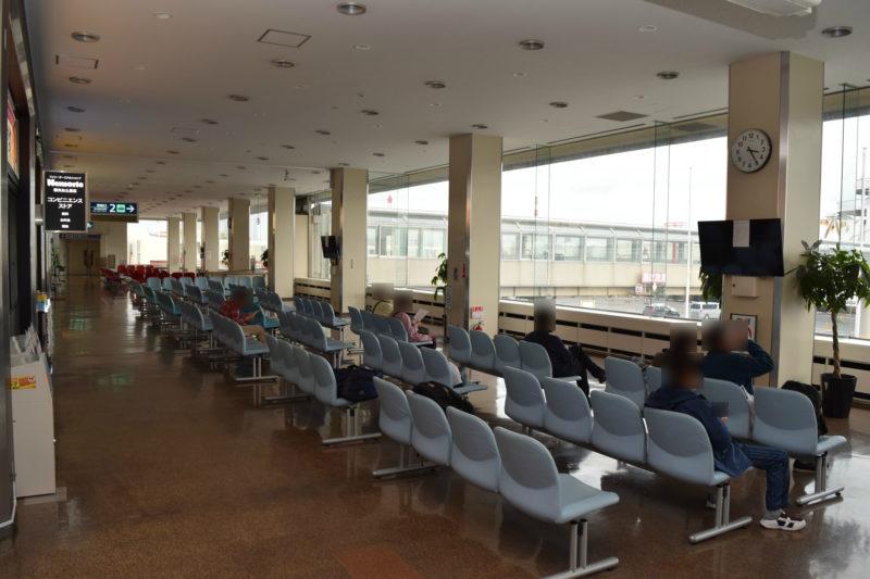 苫小牧西港フェリーターミナル第2乗船口及び第3乗船口の待合ロビー