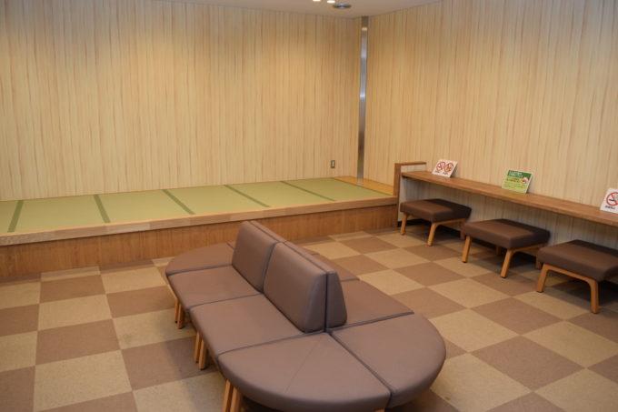 苫小牧西港フェリーターミナルハートフルルーム室内