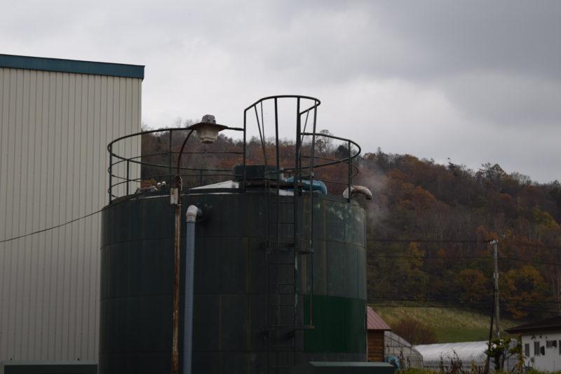 温泉タンクの蒸気