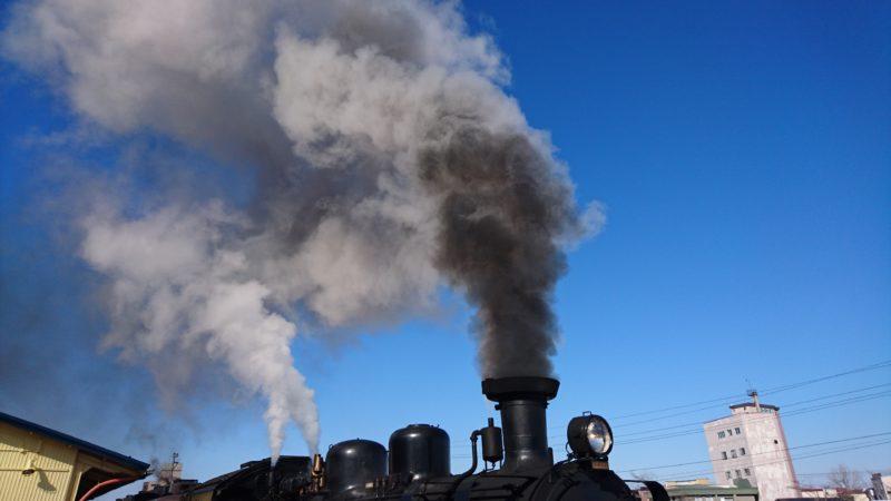 煙と汽笛は冬の釧路の風物詩