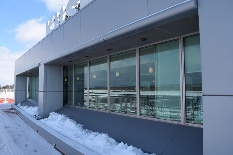 釧路空港送迎デッキからレストラン