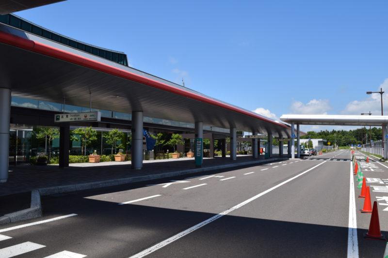 駐車場付近からの旅客ターミナル
