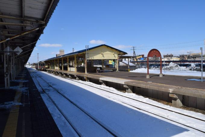 釧路駅1番線ホームから2番線と3番線