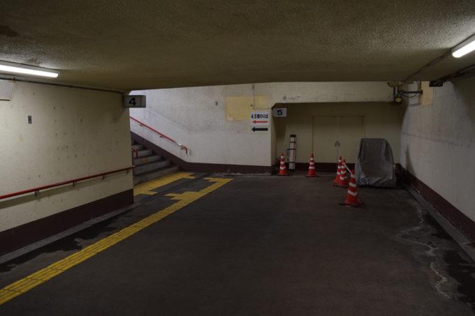 釧路駅4番線・5番線ホーム階段