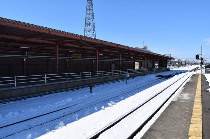 1番線・2番線ホーム線路。新富士駅方面