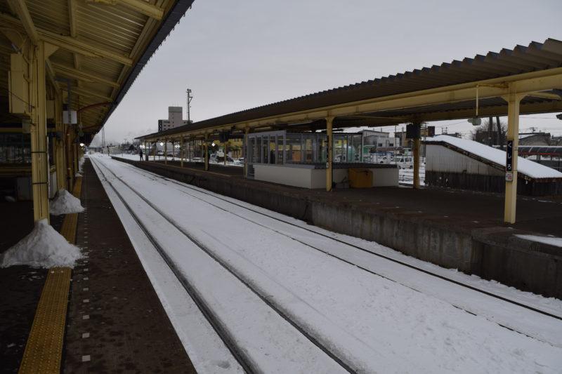釧路駅3番線ホーム線路新富士駅方面