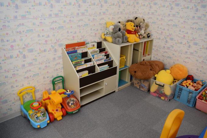 乳幼児向け絵本やおもちゃ