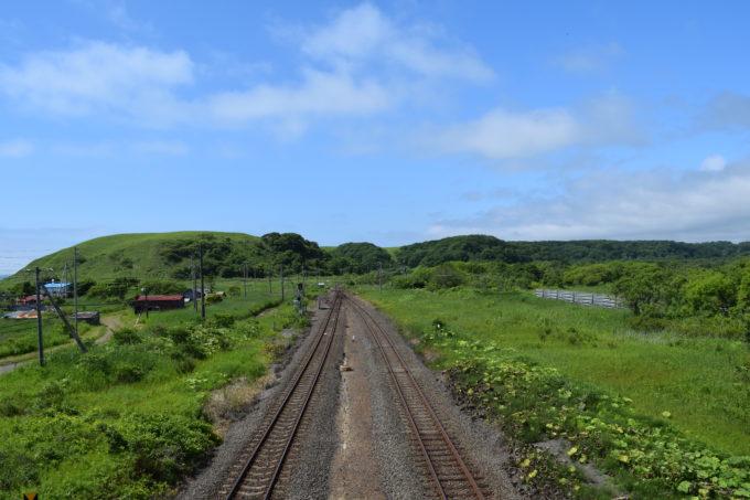 尺別駅跨線橋上から直別駅方面