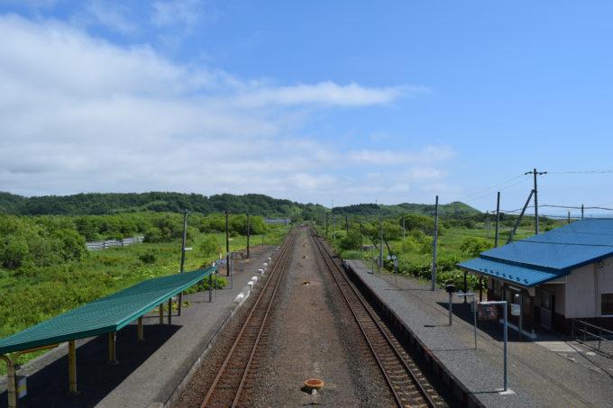 尺別駅跨線橋上から音別駅方面