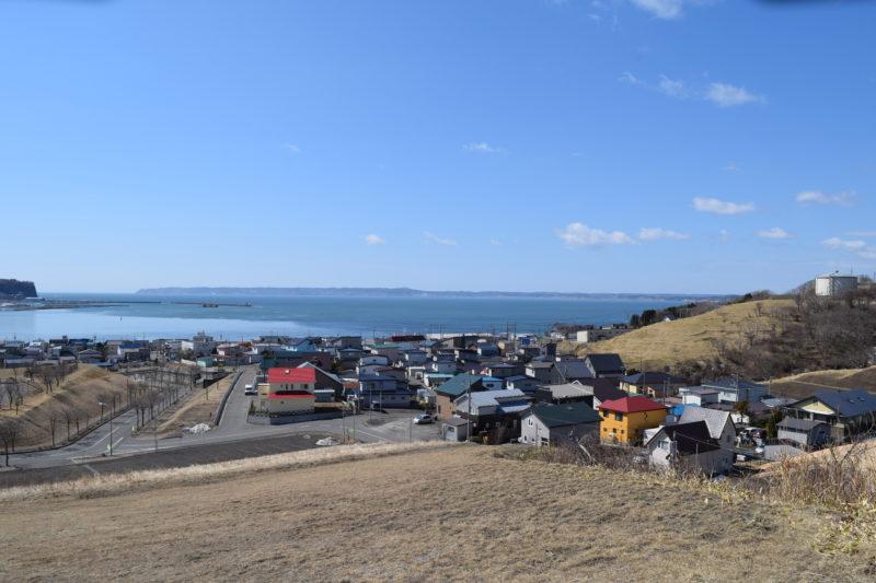 厚岸湾と尻羽岬まで続く仙鳳趾村