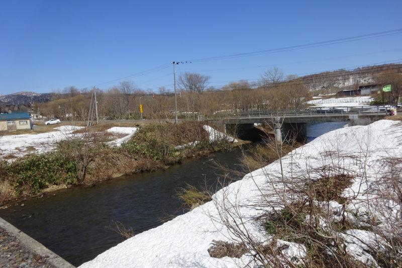 二十五線川(25線川)と仁王橋