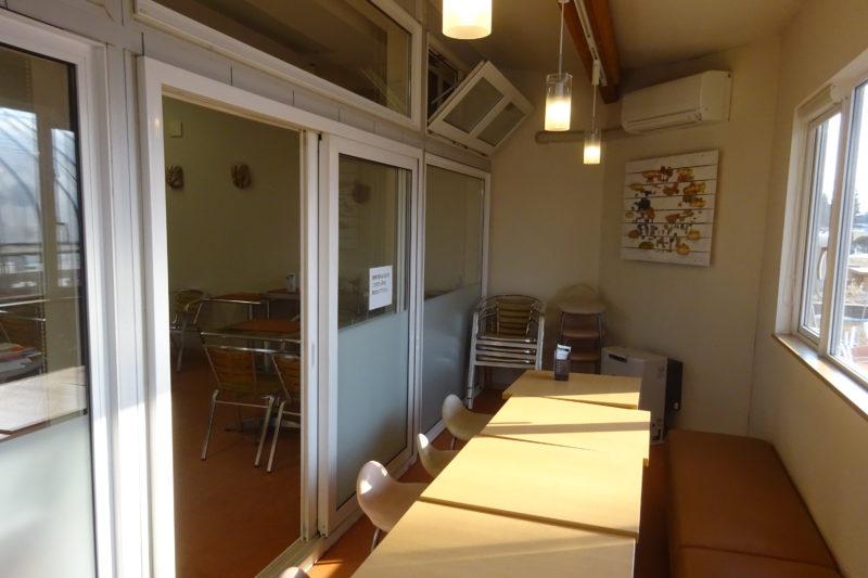 麦音の小さなカフェスペース