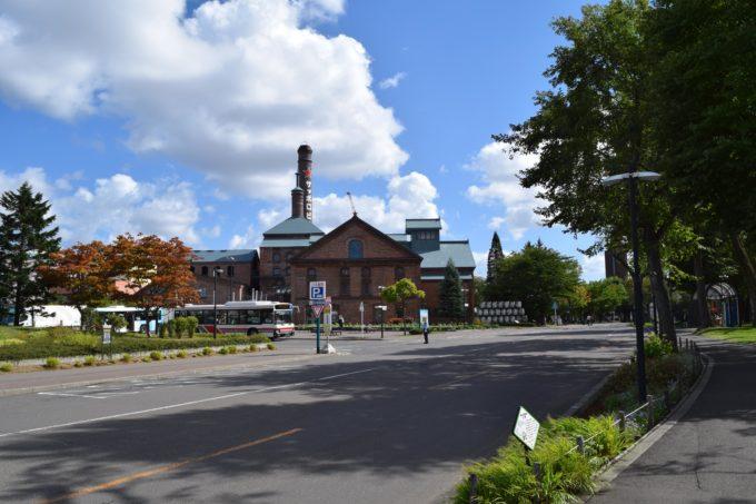 札幌神社から見るサッポロガーデンパーク