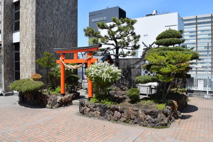 札幌三越三囲神社