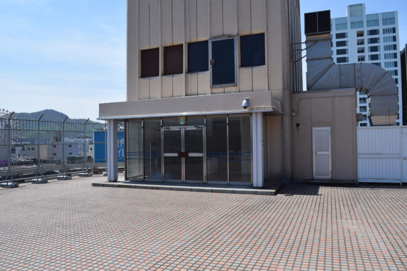 札幌三越屋上広場の出入り口