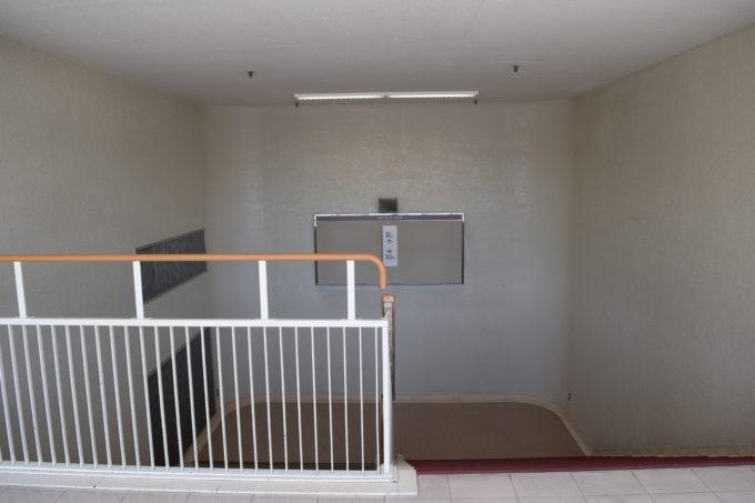 札幌三越屋上広場の10階へと続く階段