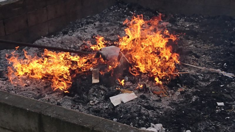 北海道七飯町にある神社のどんど焼き